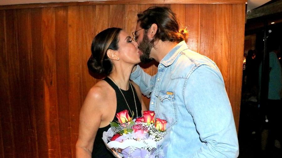 Fátima Bernardes e Túlio Gadêlha se beijam após apresentação de ballet - ROGERIO FIDALGO/AGNEWS