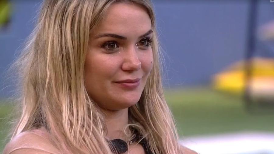 Marcela é uma das sisters que acreditam em paredão falso - Reprodução/TV Globo