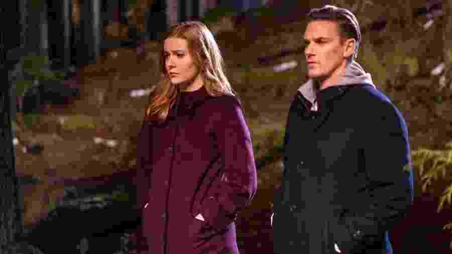 """Kennedy McCann (à esq.) e Riley Smith em cena de """"Nancy Drew"""" - Divulgação/IMDb"""