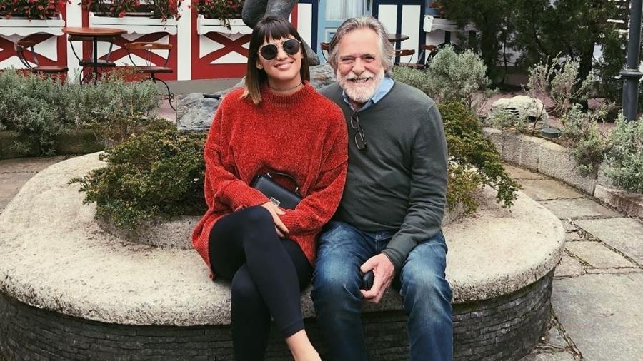 Carol Junger e José de Abreu - Reprodução/Instagram