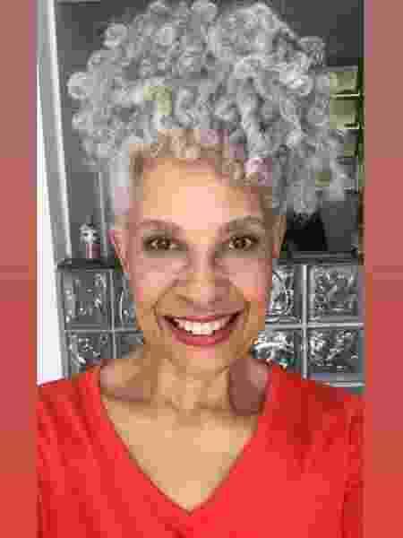 Mônica usava os cabelos vermelhos, mas decidiu parar com a tinta aos 50 anos - Acervo pessoal - Acervo pessoal