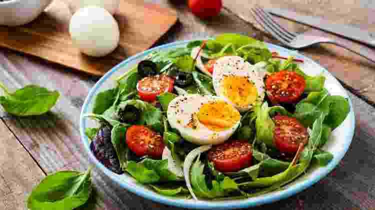 Salada com ovo - Getty Images/iStockphoto - Getty Images/iStockphoto