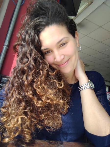 """Rafaela Oricchio: """"Me libertar do alisado me livrou de tentar agradar todo mundo""""  - Arquivo pessoal"""