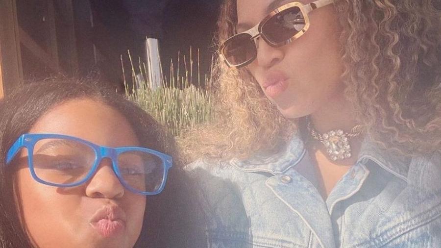Beyoncé ao lado de Blue Ivy - Reprodução/Instagram