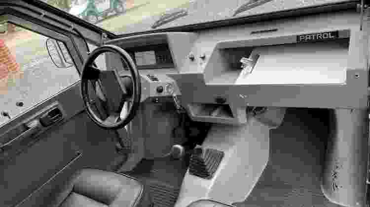 Interior do protótipo usado pela PM-MG; corporação inicialmente iria encomendar mais unidades, mas desistiu - Garage Brazil - Garage Brazil