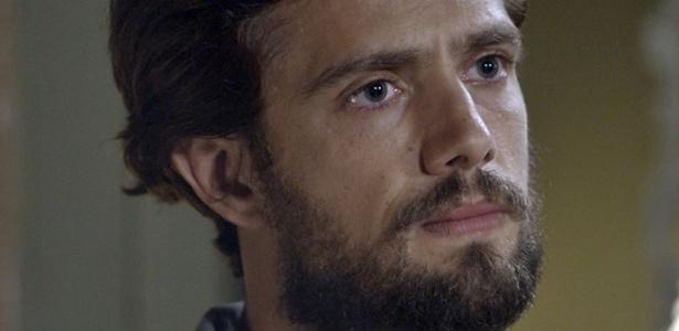 """Felipe (Rafael Cardoso) descobre que Alex não é seu filho e enfrenta Roberto - Reprodução/""""Além do Tempo""""/GShow"""