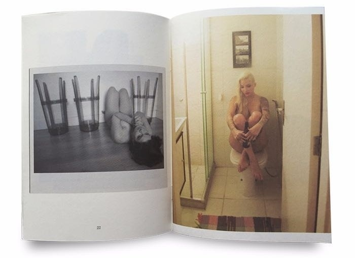 24.mai.2016 - Angélica Martins, a ex-BBB Morango, idealizou e fotografou o fanzine