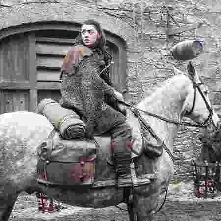 """Maisie Williams como Arya Stark em """"Game of Thrones"""" - Divulgação"""
