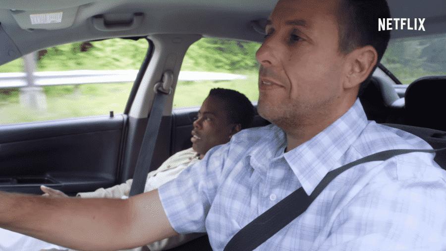 """Adam Sandler e Chris Rock em cena de """"Lá Vem os Pais"""" - Reprodução"""