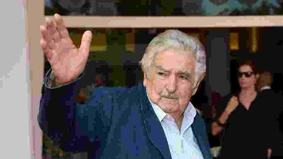 Apesar da aposentadoria formal, ele afirmou ter muito a contribuir com a política uruguaia - Antony Jones/Getty Images