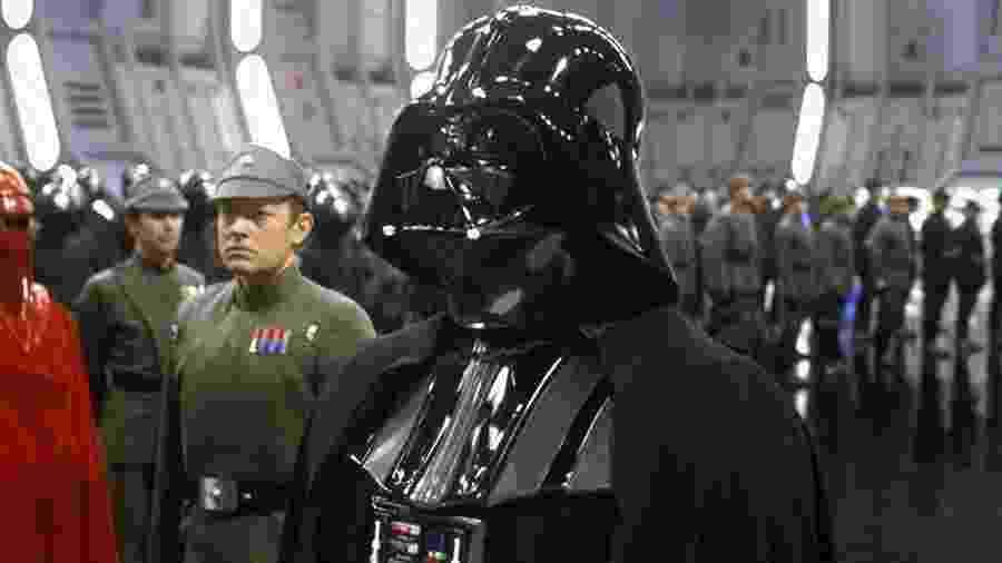 """Darth Vader em cena de """"Star Wars: O Retorno de Jedi"""" (1983) - Divulgação"""