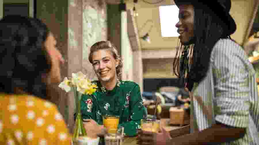 Um bar sem álcool é quase um paradoxo - mas esse tipo de estabelecimento está ganhando popularidade - miodrag ignjatovic/Getty Images