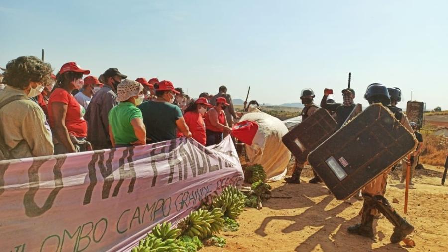 Ação da PM-MG em assentamento do MST Quilombo Campo Grande - Movimento Sem Terra - MST