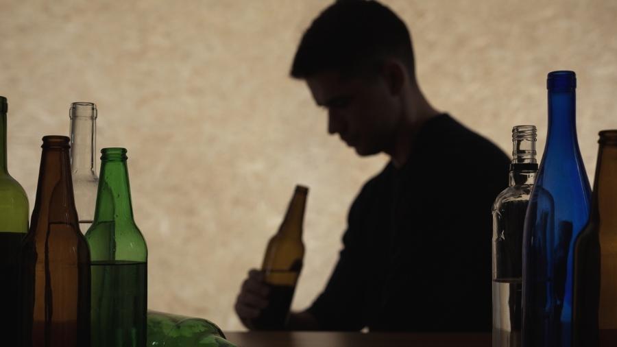 Isolamento motivou aumento no consumo de álcool durante pandemia, segundo pesquisadores - iStock