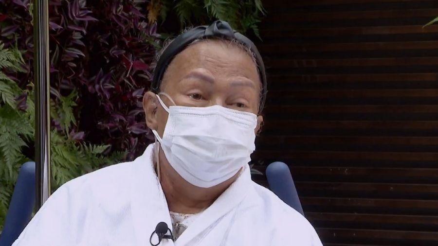 Dona Aída Younes, de 67 anos, após receber alta do hospital - Reprodução/TV Globo