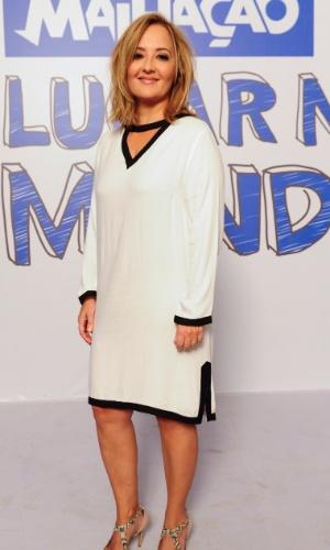 """Florinda (Claudia Netto) é mãe da Bia (Juliana Knust). Mulher rica que sonha ver a filha casada com um """"homem de berço"""", mas isso não acontece"""