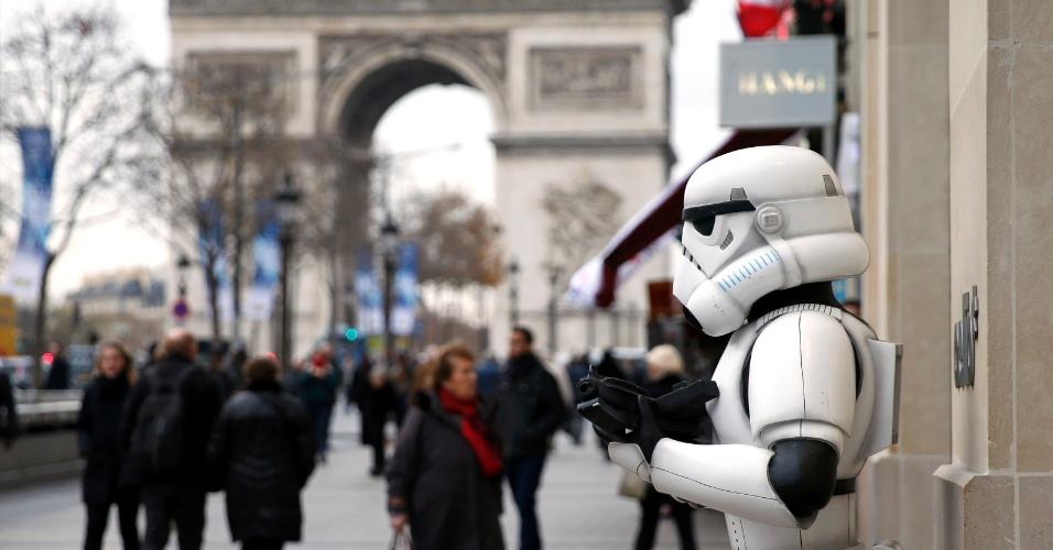 15.dez.2015 - Stormtrooper