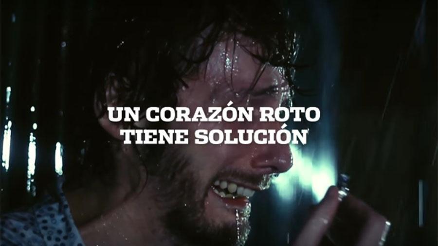 """""""Um coração partido tem solução"""", diz o vídeo da promoção do jornal Olé - Reprodução/YouTube"""