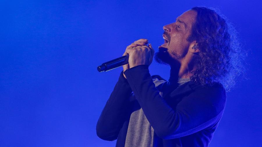 O cantor Chris Cornell em show com o Soundgarden no dia 29 de abril de 2017 no parque metropolitano em Jacksonville, na Flórida - Xinhua/David Rosenblum/ZUMAPRESS