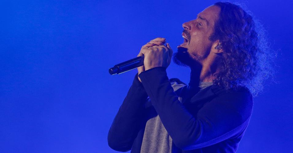 O cantor Chris Cornell em show com o Soundgarden no dia 29 de abril de 2017 no parque metropolitano em Jacksonville, na Flórida