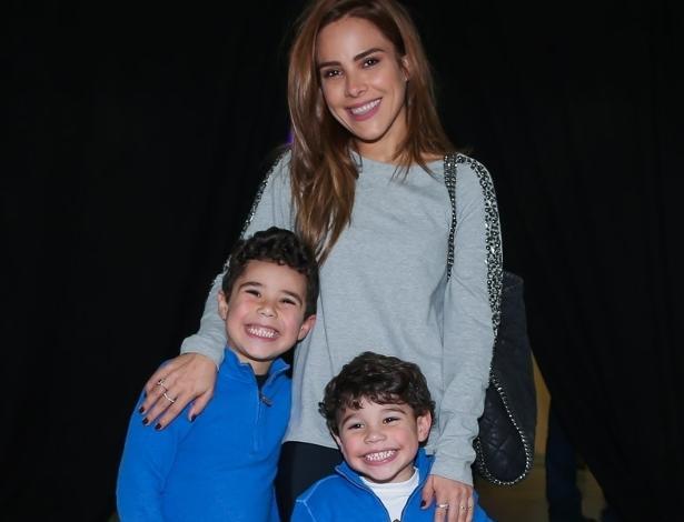 Wanessa com os filhos em apresentação da Disney em São Paulo