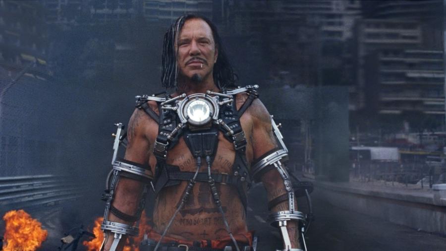 """Mickey Rourke em cena do filme """"Homem de Ferro 2"""" (2010) - Divulgação"""