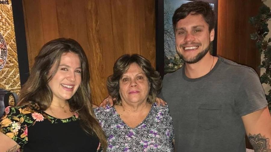Breno com a irmã Bruna e a mãe Maria Olívia - Reprodução/Facebook