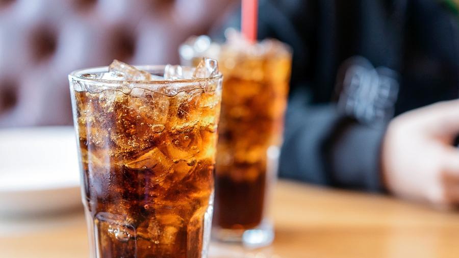 Consumo de açúcar, presente nos refrigerantes, está associado a diabetes e câncer - iStock