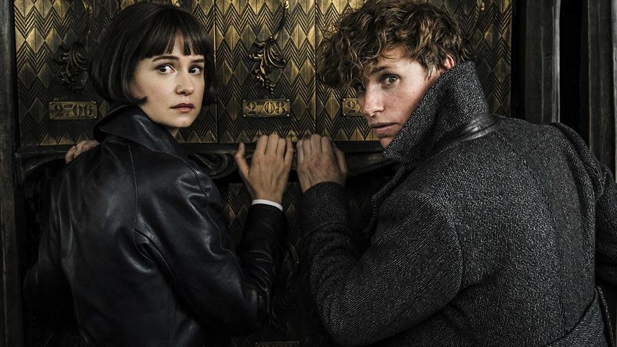 """Eddie Redmayne e Katherine Waterston em """"Animais Fantásticos: Os Crimes de Grindelwald"""" - Divulgação"""