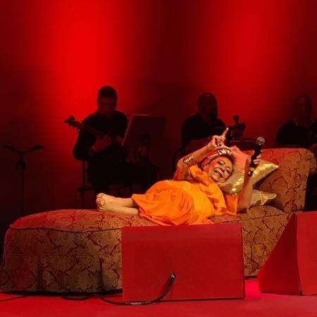 Beth Carvalho canta deitada no Rio - Reprodução/Instagram