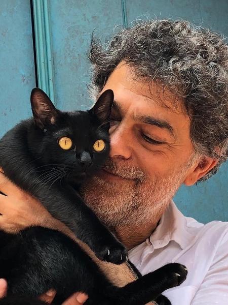 Eduardo Moskovis e o gato Leon - Reprodução/Instagram