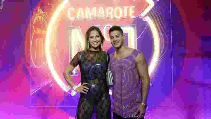 Mayra Cardi e Arthur Aguiar no camarote CarnaUOL N1 2019 - Matias Maxx / UOL