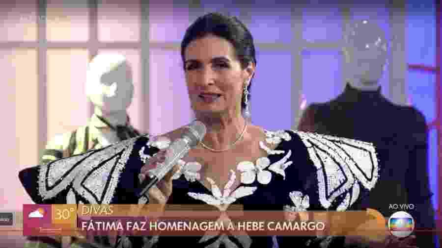Fátima Bernardes com figurino e microfone inspirados na apresentadora Hebe Camargo - Reprodução/TV Globo