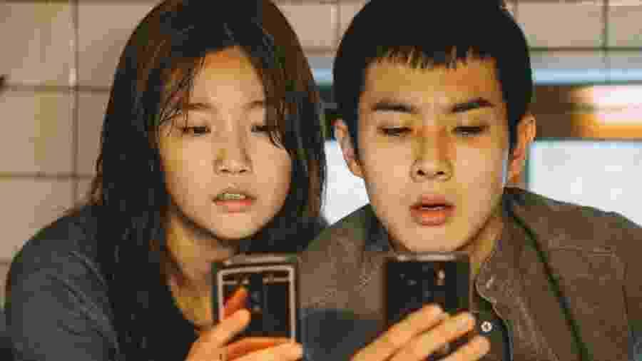 É a primeira vez que um filme sul-coreano é indicado ao Oscar na categoria de melhor filme - Neon via BBC
