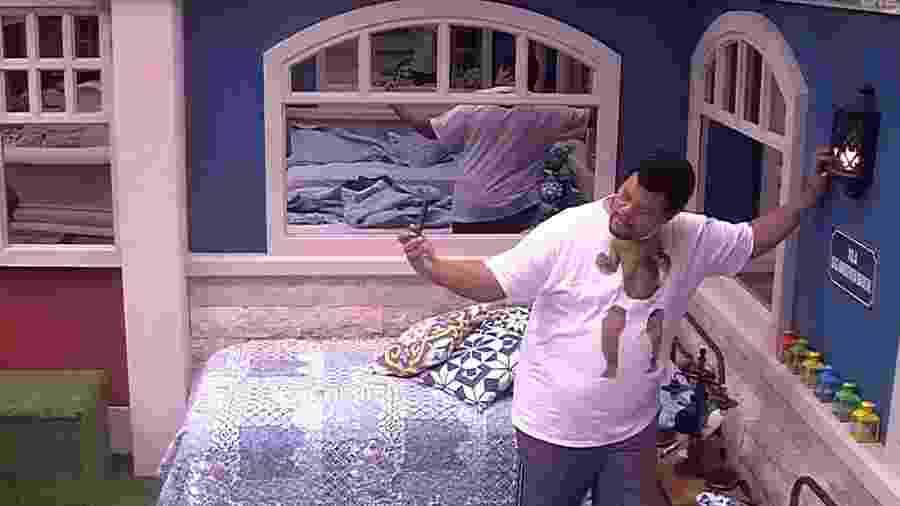 BBB 20: Babu se despede do quarto vila, que será fechado - Reprodução/Globo