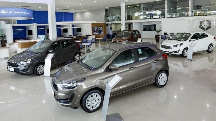 Montadora de saída do Brasil | Concessionários da Ford têm estoque para um mês e vão fechar metade das suas lojas