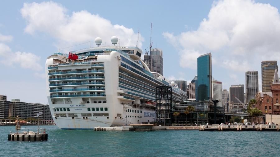 Nesta semana, um grupo de 15 navios da Carnival Cruise Line, Royal Caribbean e Celebrity Cruises estava estacionado perto das Bahamas - Getty Images