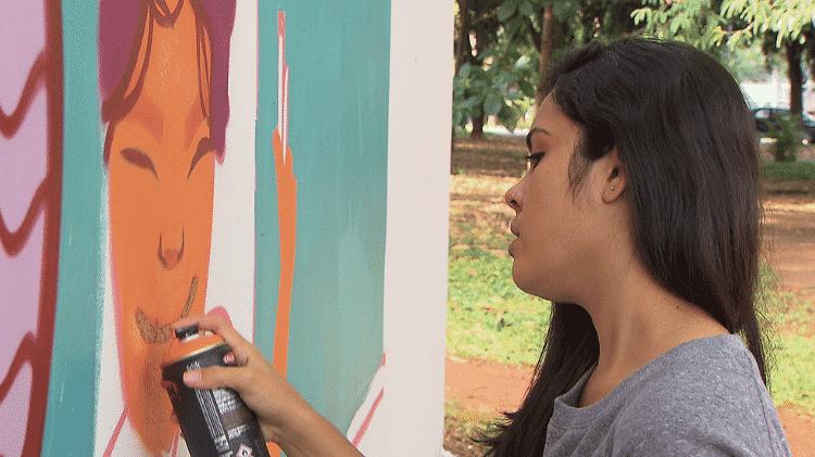 """A grafiteira Siren fez as artes do livro de rua """"O Menino Invisível"""" - Divulgação - Divulgação"""