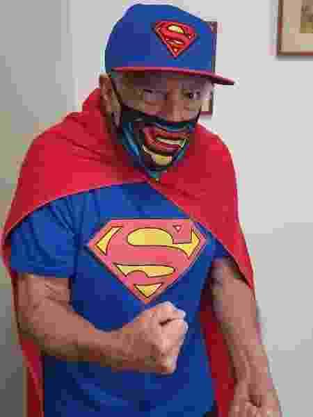 Ary Fontoura vestido de Super-Homem - Reprodução/Instagram