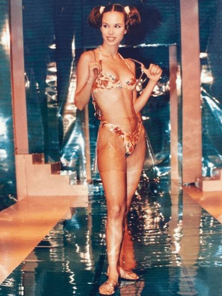 Ana Furtado relembrou pressão estética da carreira de modelo em post com foto dos anos 1990 - Reprodução/Instagram/@aanafurtado