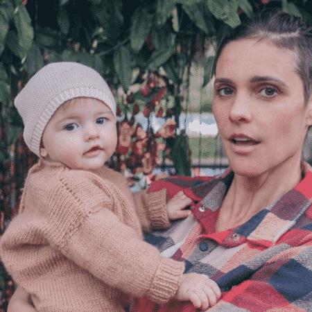 Fernanda Lima postou sequência de fotos ao lado da caçula Maria Manuela  - Reprodução/Instagram/@fernandalimaoficial