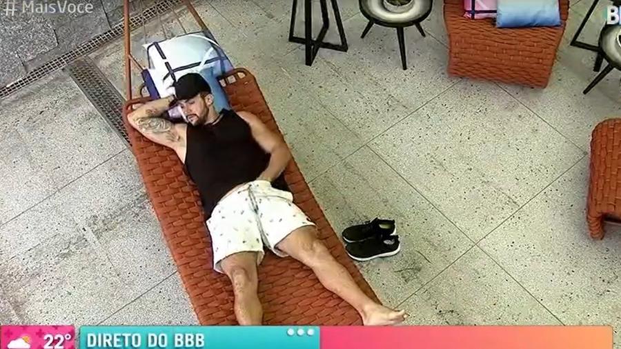 BBB 21: Arthur foi flagrado por Ana Maria Braga coçando partes íntimas e cheirando logo depois - Reprodução/TV Globo
