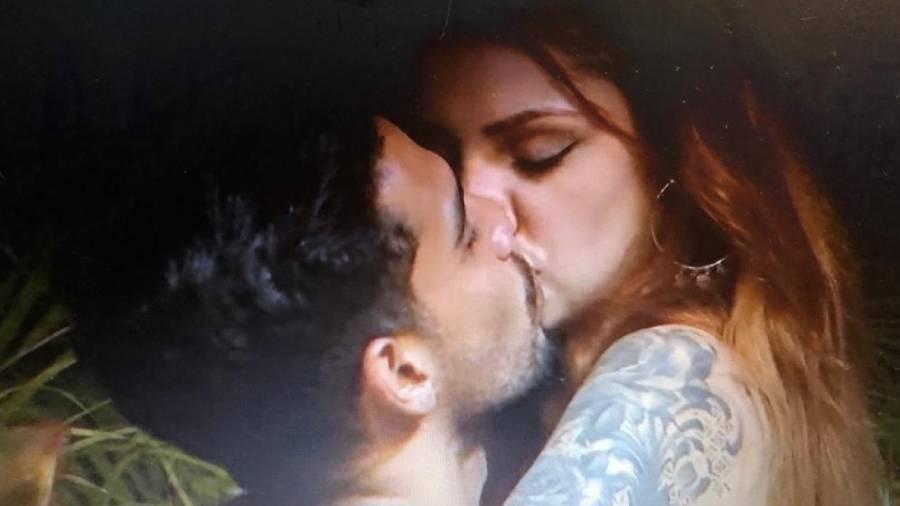 Matheus e Brenda em Brincando com Fogo Brasil - Reprodução/Netflix