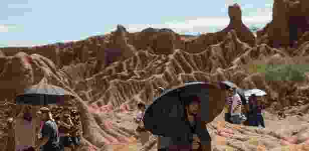 """Christopher Von Uckerman no deserto de Tatacoa, na Colômbia, durante as filmagens da série futurista """"2091"""" - Divulgação - Divulgação"""