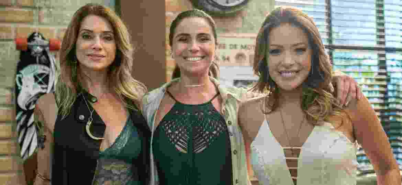 """Letícia Spiller, Giovanna Antonelli e Renata Dominguez em intervalo de gravação de """"Sol Nascente"""" - Raquel Cunha/Divulgação/TV Globo"""
