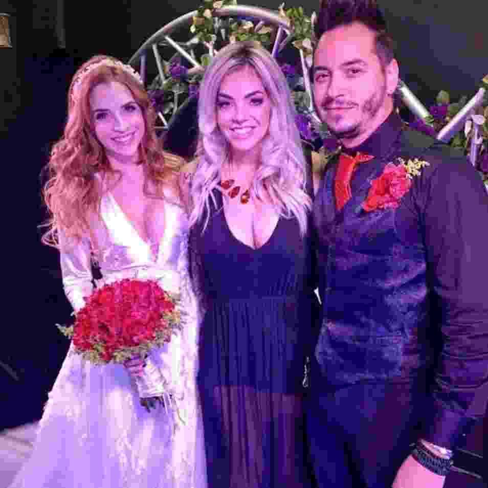 Ex-BBB Clara Aguilar se casa em cerimônia em Las Vegas - Reproduçlão/Facebook