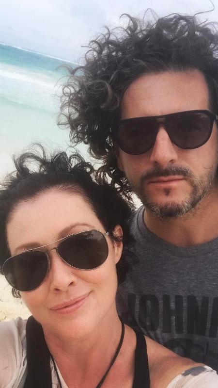 Shannen Doherty e o marido, Kurt Iswarienko; a atriz está em remissão de um câncer de mama - Reprodução/Instagram