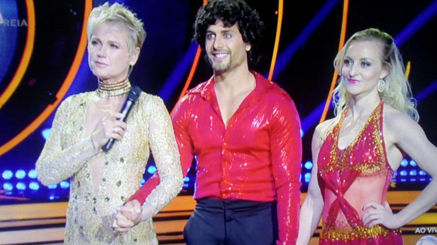 """Xuxa brincou com Jesus Luz, ex-namorado de Madonna, no """"Dancing Brasil"""" - Reprodução/Record"""