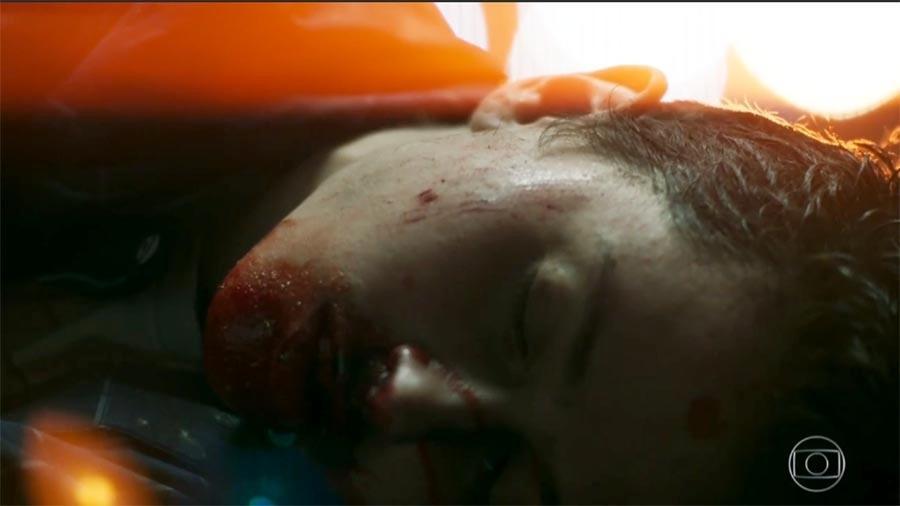 Em cena forte, Ivan (Carol Duarte) é espancado é perde o bebê - Reprodução/Globo