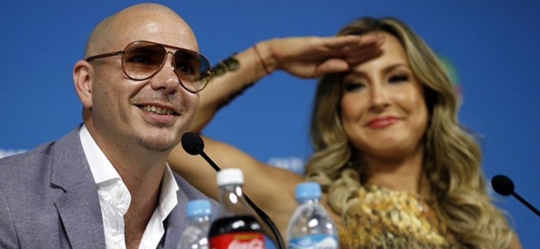 Pitbull fará participação no trio elétrico de Claudia Leitte no Carnaval de Salvador - Imagem/Adrian Dennis/AFP